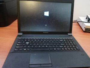 Laptop uszkodzony
